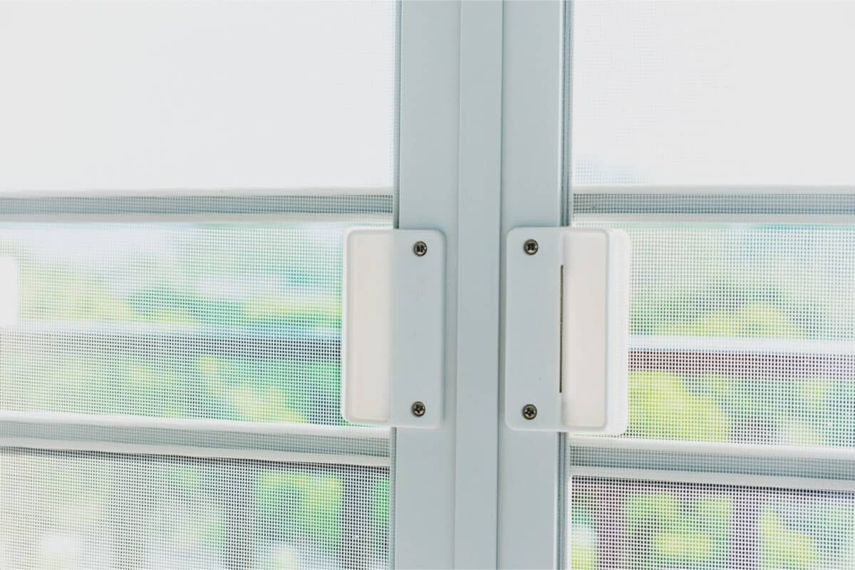 mosquitera enrollable ventana